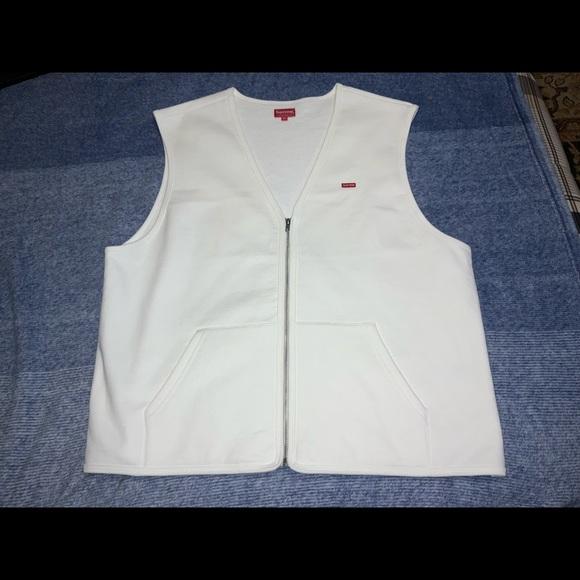 NWT SUPREME men's small box on zippered vest.  XL